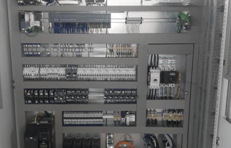 Armadio con componenti Siemens, PLC, Motion, elettromeccanica